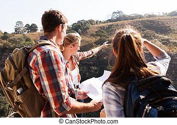 montagne, randonneurs, groupe, sommet