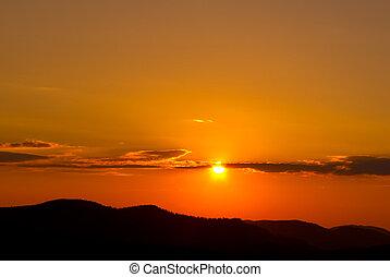 montagne, silhouette, tramonto