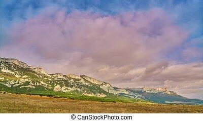 montagne, sur, nuages