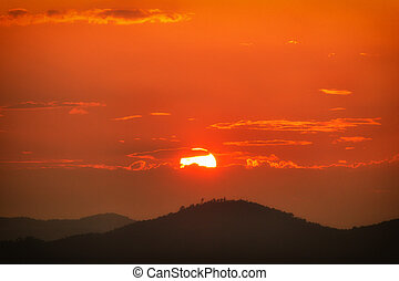 montagne, tramonto