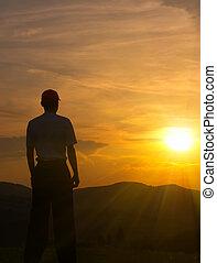 montagne, tramonto, giovane