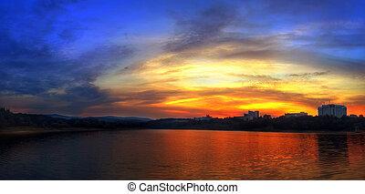 montagne, tramonto, lago