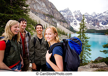 montagnes, amis, camping