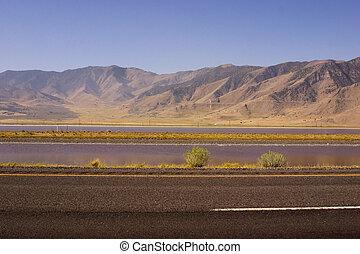 montagnes, autoroute, fond