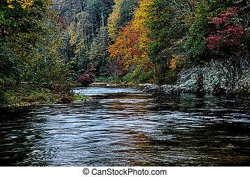 montagnes, autumng, enfumé, saison