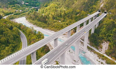 montagnes, béton, viaduc, vue, autoroute, piliers, aérien