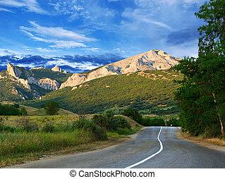 montagnes bleues, ciel, route