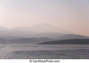 montagnes, brume, matin