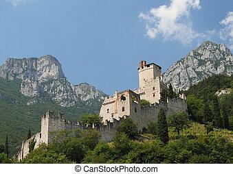 montagnes, château