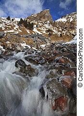 montagnes, chute eau