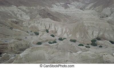 montagnes, convoi, sommet, anciet, suv, en mouvement, par, cavernes, désert