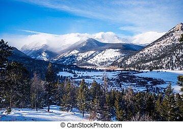 montagnes, hiver, rocheux