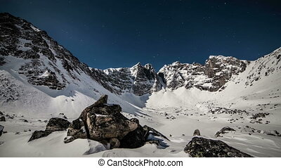 montagnes, moonlight.