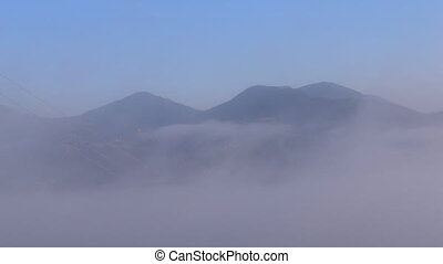 montagnes, mouvements, matin, dissipates, carpathians., brouillard