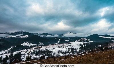 montagnes, neigeux