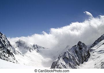 montagnes, nuage