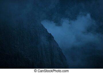 montagnes, nuageux, nuit