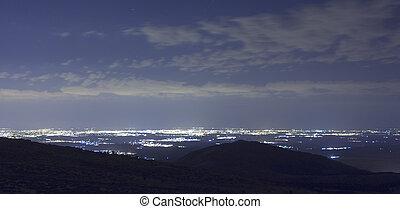 montagnes, nuit, lumières, ville