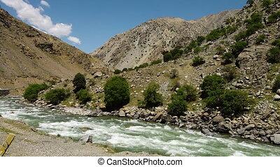 montagnes, rivière, écoulement