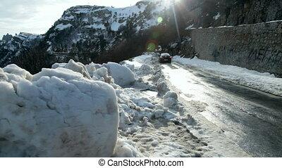 montagnes, route, conduite, neigeux