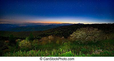 montagnes, route express, coucher soleil, appalachian, arête, été, bleu