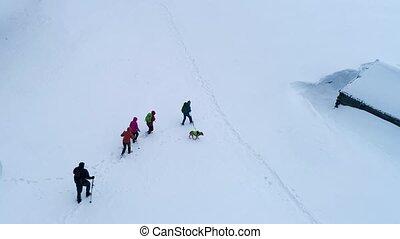 montagnes, touristse, hiver, randonnée