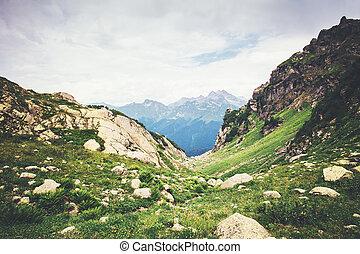 montagnes, vert, rocheux, paysage