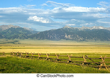 Montana Ranch - Sunny ranch in the mountains of Montana...