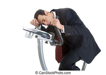 montando, bicicleta exercício, homem negócios, isolado, esvaziado, branca