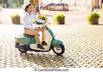 Montando,  scooter, homem, jovem, Feliz