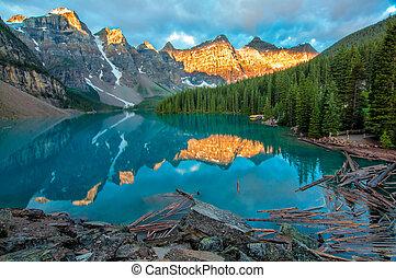 montanha, amarela, lago moraine, paisagem