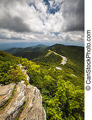 montanha azul, nc, cume, panorâmico, viaje destino, curvy, asheville, craggy, pináculo, parkway, jardins, estrada, vista