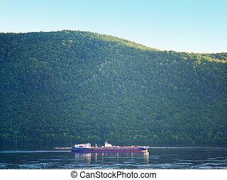 montanha, barcaça, floresta, volga, sob, rio