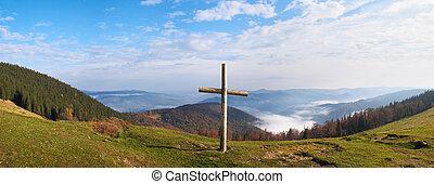 montanha, crucifixos