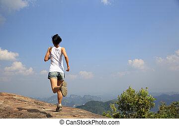 montanha, executando, mulher, jovem, asiático