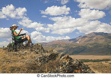 montanha, menina, turista, feliz