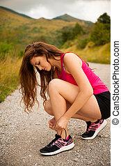 montanha, mulher, sapatos, corredor, laço, estrada