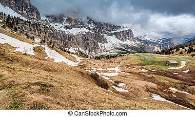 montanha, rastro, em, a, nevado, dolomites, itália