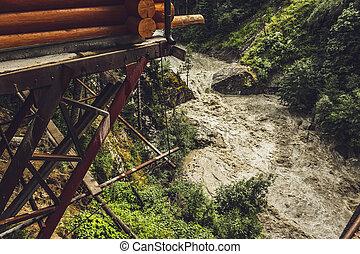 montanha, rio, após, pesado, verão, chuva