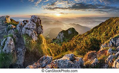 montanha, silueta, em, pôr do sol, em, tatras, eslováquia