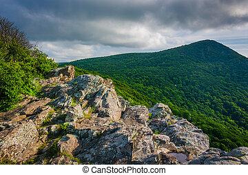 montanha, virginia., nacional, shenandoah, parque, crescente, rocha, hawksbill, vista
