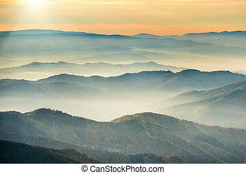 montanhas azuis, colinas