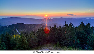 montanhas azuis, cume, appalachian, sobre, outono, pôr do...