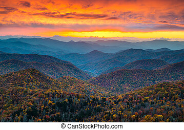 montanhas azuis, cume, panorâmico, pôr do sol, landsc, norte, parkway, carolina