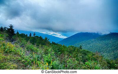 montanhas azuis, cume, verão, panorâmico, parque nacional, parkway, amanhecer