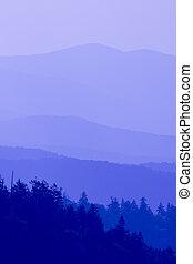 montanhas azuis, grande, esfumaçado, tons