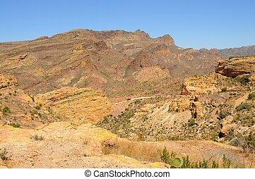montanhas, caminhão, deserto, distante