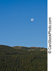 montanhas, cheio, acima, lua