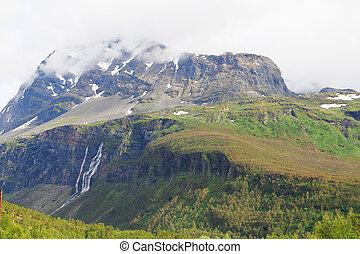 montanhas, com, cachoeiras