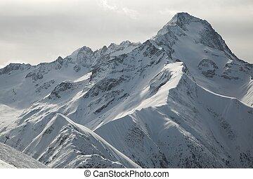 montanhas, em, alpes